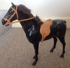 PEDIGREE-SINDY-BROWN-HORSE-WITH-SADDLE-REINS-AND-BOX