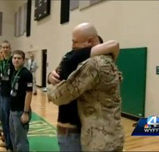 Upstate dad returns home from Afghanistan; surprises sons | Watch the video - Yahoo! Screen