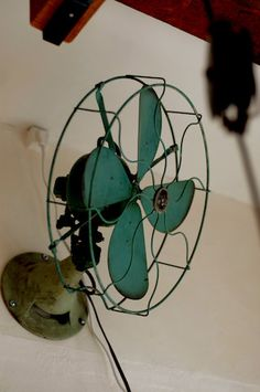 Love this! Fan mounted to he wall - genius! Doesn't take up floor or table space :)