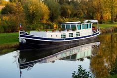 Living on the waterways!..Stylish 22m Dutch Katwijker Barge - oh yes!