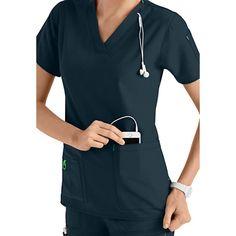 Carhartt Cross-Flex V-neck Media Scrub Tops Cheap Scrubs, Cute Scrubs, Scrubs Outfit, Scrubs Uniform, Doctor White Coat, Scrub Jackets, Lab Coats, Medical Scrubs, Modeling