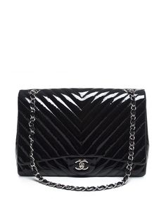 Chanel Pre-Owned Chanel Black Patent Leather Chevron Maxi Flap Bag