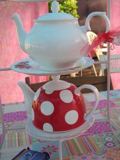 cute tea pots.