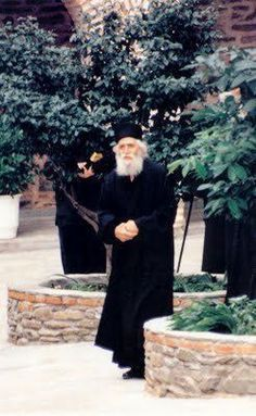 """Elder Paisios was asked, """"What should I do to find the way leading to Jesus Christ? Pope Shenouda, Orthodox Christianity, Greek Words, Orthodox Icons, My Prayer, New Testament, Holy Spirit, Gods Love, Jesus Christ"""