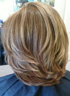 Hair cuts & color with highlights Medium Layered Hair, Short Hair With Layers, Medium Hair Cuts, Short Hair Cuts, Medium Hair Styles, Curly Hair Styles, Haircut For Thick Hair, Cute Hairstyles For Short Hair, Great Hair
