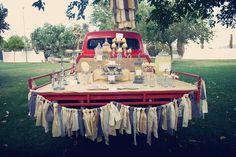 Vintage truck dessert table, photo: Jeanna Hayes