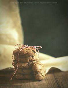 chocolate chips cookiescon nocciole