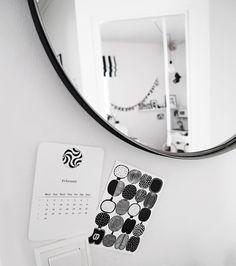 Mustavalkoiseen, skandinaaviseen sisustukseen ihastuneen naisen sisustusblogi. DIY-ohjeita, ruokaideoita, kauniita sisustustuotteita.