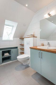 Bolig til salgs Sprinter Camper, Alcove, Tiny House, Bathtub, Real Estate, Home, Nest, Bath, Standing Bath
