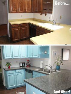Una cocina pintada de azul