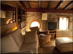 Nappali - Antik bútor, egyedi natúr fa és loft designbútor, kerti fa termékek, akácfa oszlop, akác rönk, deszka, palló