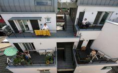 [가족이 변한다, 집이 변한다 (1)] 어쩌다 만난 나홀로族… 한 지붕 한 가족 되다 - 1등 인터넷뉴스 조선닷컴 - 큐레이션 Projects, House, Log Projects, Blue Prints, Home, Homes, Houses