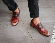 Office Shoes, Cow Leather, Color Change, Going Out, Men's Fashion, Loafers, Play, How To Wear, Pictures