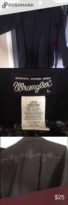 Wrangler Pearl Snap Shirt barely worn Black Wrangler Pearl Snap Shirt Wrangler Shirts Dress Shirts