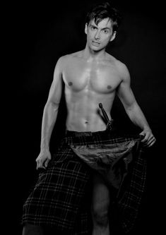 David Tennant in a kilt.  Every time I see this picture I can't help but say 'oooooo'.  Definitely worthy of a repin.