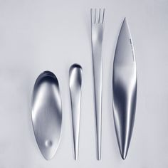 Mono-tools 'zeug' flatware and cutlery was designed by Michael Schneider for mono. Inspired by the tools that Neanderthal man probabaly once used, and made of 18/10 stainless steel. If you look closely, the seemingly obscure design comes into sharp focus. try this - imagine the knife as an ax, the fork as a skewing tool, the spoon as a cupping hand, and now you begin to get a sense of what 'zeug' is about.