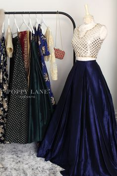 Unique Blouses, Sarees and Lenghas that embody the vibrancy of South Asian fashion with a modest up to date western flair. Indian Bridal Fashion, Indian Fashion Dresses, Dress Indian Style, Indian Designer Outfits, Indian Outfits, Fashion Outfits, Indian Clothes, Women's Fashion, Lehenga Designs Simple