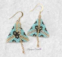 COLECTION BOHEMIA Boucles d'oreille triangles 3D peyote : Boucles d'oreille par popibijouxcreation