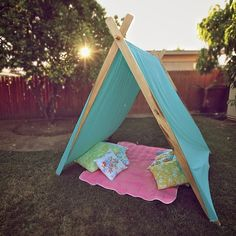 backyard teepee - SWEET!