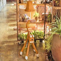 97.75$  Buy here - http://ali1rn.worldwells.pw/go.php?t=32774410635 - Led Big Eye Cat People Kids Floor Lamp 110V/220V E27 Children Room Cartoon Decor Standing Lamps European Floor Lamps