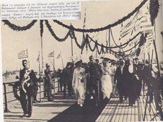 Ο βασιλιάς Κωνσταντίνος στό Φάληρο Greek Royalty, Royals, Greek Royal Family, Royalty