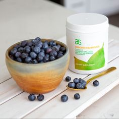 "Helps make ""smart nutrition"" a convenient part of your lifestyle. Just 1 scoop provides a full serving of rainbow fruit and vegetables 🥦🥗🥒 Click in the link in my bio to get your health kick. Arbonne Nutrition, Smart Nutrition, Arbonne Detox, Arbonne Essentials, Rainbow Fruit, Healthy Diet Plans, Breakfast Bowls, Protein Shakes, Fruits And Vegetables"