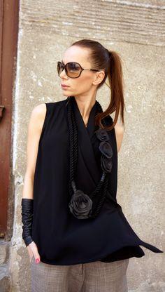 NEUE Kollektion 2016 schwarz Seil extravagante Echtleder Rosen Halskette / Sommer Accessoire Außergewöhnliche, Chic, Elegant, stilvoll einzigartige Halskette Sie tragen es mit Kleider, Tuniken, Tops, eignet sich für Alltag und Party Leben:) Seien Sie originell und einzigartig und Wagen zu