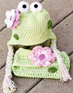 Frog Earflap Hat and Diaper Cover Set by TickledPinkProps on Etsy