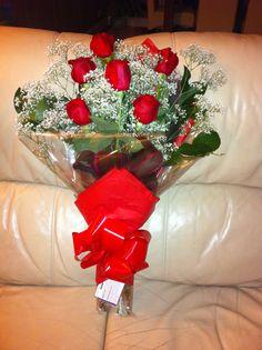 Flat pack half dozen Roses & Gypsophila