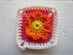 Color 'n Cream Crochet and Dream: Tutorial Color Bomb Flower Square