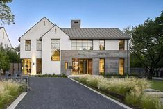 Transitional House Exterior Mix of old and new styles in this high end custom home – SHM Architects Stommel Haus, Modern Farmhouse Exterior, Transitional House, Scandinavian Home, Residential Architecture, Pavilion Architecture, Sustainable Architecture, House Goals, The Ranch