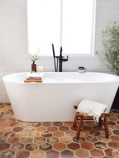 bathroom makeover has given us a whole new love for terra-cotta tiles! The feature wall includes our Traditions subway tile ice white in a matte finish. Beautiful Bathrooms, Modern Bathroom, Small Bathroom, Master Bathroom, Spanish Bathroom, Mediterranean Bathroom, Bathroom Styling, Bathroom Interior Design, Tuile