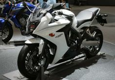 Honda CBR650F, Motor Sporty Pesaing Ninja 650 - Vivaoto.com - Majalah Otomotif Online
