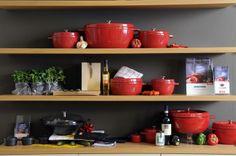 Litinové nádobí Arcana od Fissler - pekáče jsou prostě famózní Kitchen Cart, Home Decor, Decoration Home, Room Decor, Kitchen Trolley, Kitchen Carts, Interior Design, Home Interiors, Interior Decorating