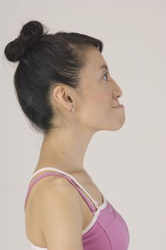 Streamline the jawline with the Face Yoga Method