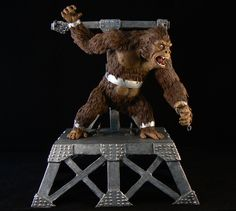 This KONG Model was sculpted by Ray himself. The detail in this piece is amazing !