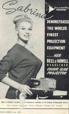 """""""Sabrina, l'apparecchiatura migliore..."""" Ma a cosa si riferisce davvero questa pubblicità?"""