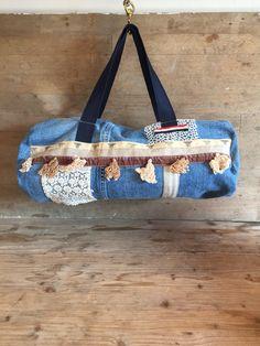 Un preferito personale dal mio negozio Etsy https://www.etsy.com/it/listing/514890684/borsa-in-tessuto-denim-reciclato-vintage