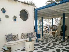 Greek Cafe, Greece Fashion, Greek House, Santorini, Greece Style, Gallery Wall, Room Makeovers, Projects, Homes
