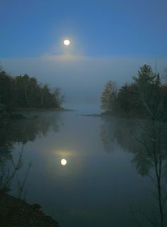 Harvest Moon Through The Mist Over Loon Lake Adirondacks. Here you relax with these backyard landscaping ideas and landscape design. Beautiful Moon, Beautiful World, Beautiful Places, Beautiful Pictures, Nocturne, Harvest Moon, Moon Art, Belle Photo, Night Skies