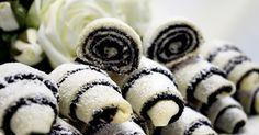 Cooking with Zoki: Prhke mak kiflice Cookbook Recipes, Baking Recipes, Cookie Recipes, Dessert Recipes, Croation Recipes, Rodjendanske Torte, Pizza Pastry, Kolaci I Torte, Serbian Recipes