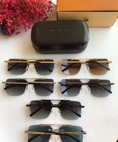 Affordable fake designer clothes from different designer brands. Supreme Brand, Louis Vuitton Bracelet, Gucci Brand, Designer Clothing, New Product, Branding Design, Latest Trends, Face, Gift