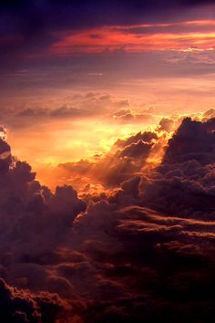 Beautiful Sky Colors Diffused through Clouds Beautiful Sky, Beautiful Landscapes, Beautiful World, Beautiful Places, Beautiful Pictures, Above The Clouds, Sky And Clouds, Foto Gif, Sky Aesthetic