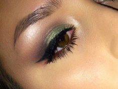 Gorgeous Makeup: Tips and Tricks With Eye Makeup and Eyeshadow – Makeup Design Ideas Eyeliner, Eyeshadow Makeup, Flawless Makeup, Gorgeous Makeup, Makeup Tips, Hair Makeup, Makeup Ideas, Green Smokey Eye, Makeup For Blondes