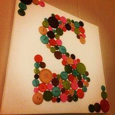 DIY craft: BUTTON ART MONOGRAM - 'love' all the letter art with my first initial!