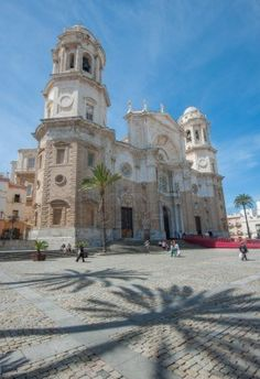 Cadiz cathedral, Andalusia, Spain: Cadiz te recuerda a La Habana, La Habana te… Granada, Andalusia Spain, Spain And Portugal, Place Of Worship, Beautiful Buildings, Kirchen, Spain Travel, Wonderful Places, Places To See