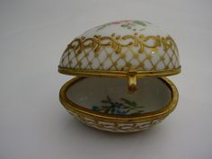 "antique pill boxes | Beautiful Antique Paris Porcelain Pill Thimble Box ""Lovely Flowers and ..."