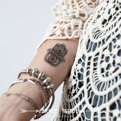 Boho Tattoo fatima hamsa Hand patroon Tattoo door ArrowTattoo