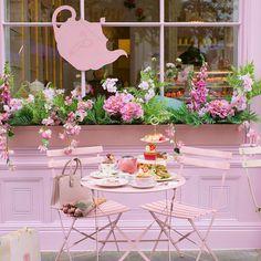 Enjoy Summer, Summer Vibes, Rooftop Brunch, The Ivy Chelsea, Afternoon Tea London, Pink Cafe, Wallpaper Nature Flowers, Chelsea Garden, London Guide