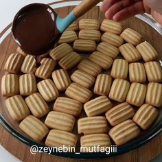 Junk Food, Pasta Recipes, Almond, Deserts, Muffin, Food And Drink, Favorite Recipes, Sweets, Cookies